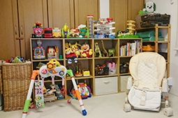 おもちゃ・ハイローチェア・ベビー用お布団も用意してあります